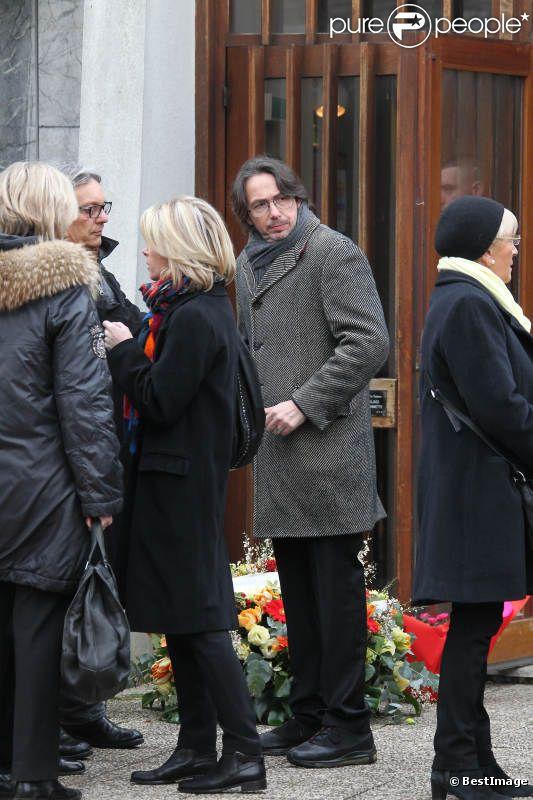 Florian Gazan lors des obsèques de son père, Jean-Pierre Spiero, en l'église protestante de Saint-Maur-des-Fossés, vendredi 17 février 2012