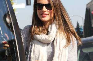 Alessandra Ambrosio, enceinte : Déjeuner entre amies avec la belle Bar Refaeli