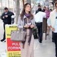 Alessandra Ambrosia, enceinte, à Los Angeles, le 25 février 2012