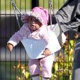 Exclusif : Kristin Davis et sa craquante fille Gemma Rose au parc de Santa Monica le 22 février 2012