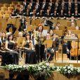 L'orchestre symphonique de la RTVE était conduit par Carlos Kalmar. Le roi Juan Carlos Ier et la reine Sofia d'Espagne présidaient le 10e concert hommage aux victimes du terrorisme, à Madrid, le 29 février 2012.