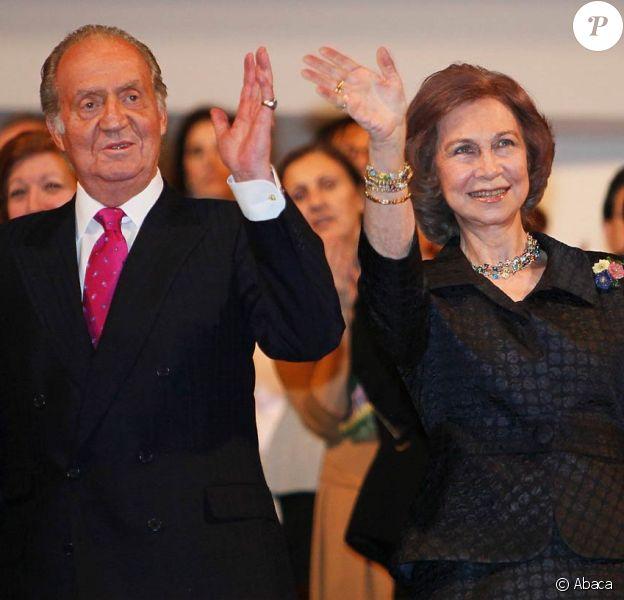 Le roi Juan Carlos Ier et la reine Sofia d'Espagne présidaient le 10e concert hommage aux victimes du terrorisme, à Madrid, le 29 février 2012.