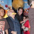 Zac Efron et Danny DeVito lisent le livre Le Lorax dans une librairie new-yorkaise, le vendredi 2 mars 2012.