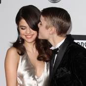 Justin Bieber fête ses 18 ans et couvre Selena Gomez de doux baisers !