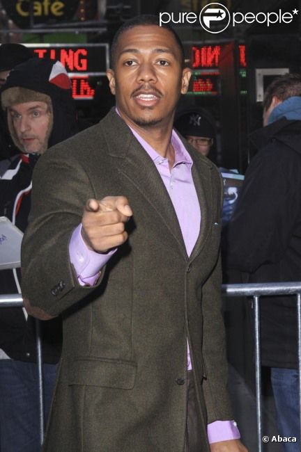 Nick Cannon arrive à l'émission Good Morning America, le 5 mars 2012, à New York