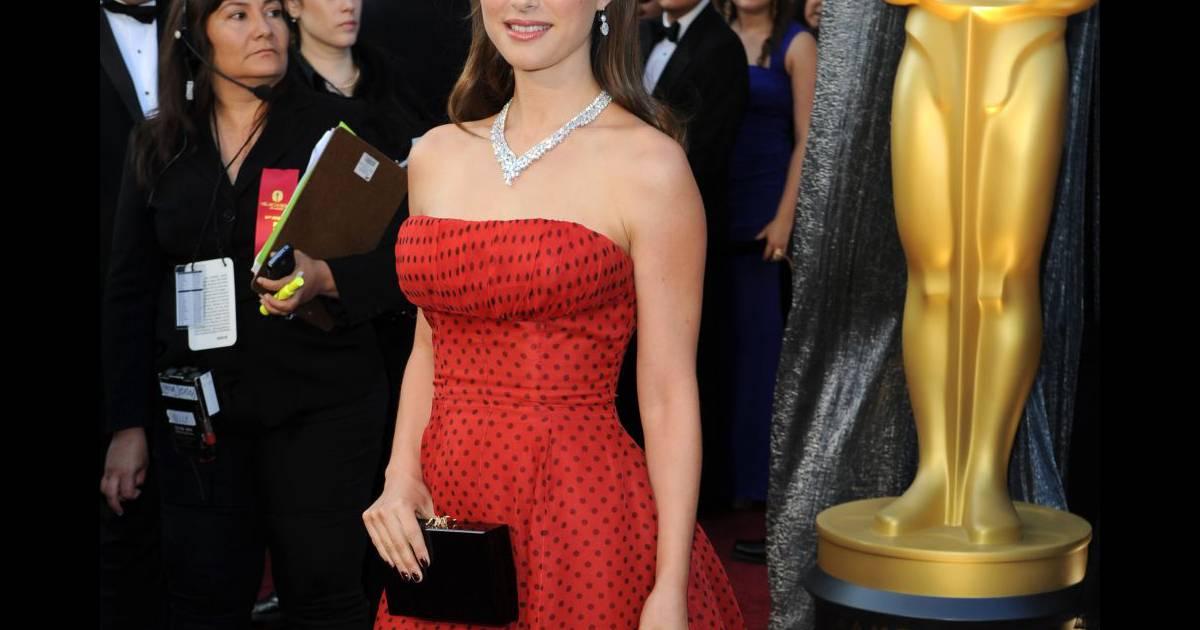 Natalie portman sa robe des oscars vendue une fortune for Fortune jean dujardin