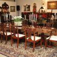 En décembre 2011, le mobilier du château de Holmby Hills qu'occupa Michael Jackson et où il trouva la mort le 25 juin 2009 avait été vendu par Julien's Auction.