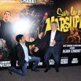 Jamel Debbouze et Alain Chabat lors de l'avant-première du film Sur la piste du Marsupilami à Paris le 26 mars 2012