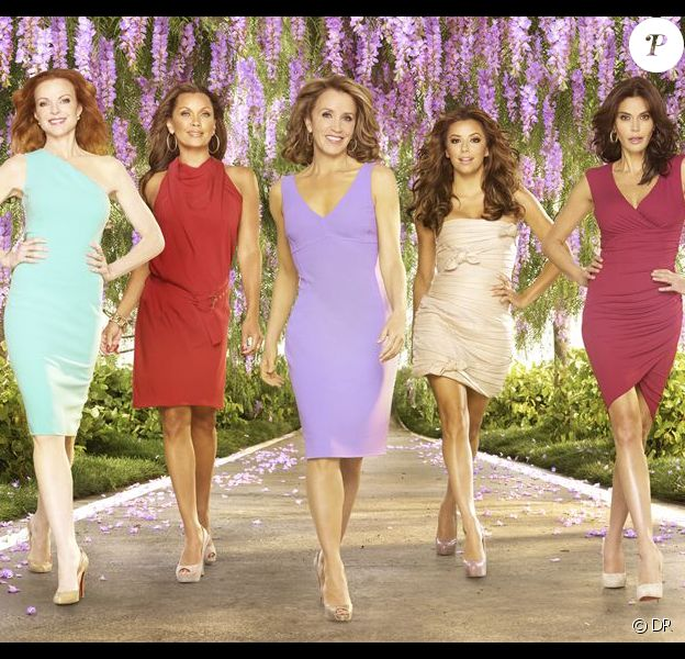 Teri Hatcher, Marcia Cross, Felicity Huffman, Eva Longoria et Vanessa Williams : image promotionnelle de la saison 8 de Desperate Housewives.