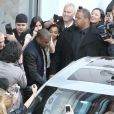 Kanye West sort d'un centre commercial à New York, le 5 avril 2012