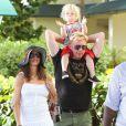 Boris Becker, sa femme Lilly Kerssenberg et leur petit Amadeus le 9 avril 2012 à Miami