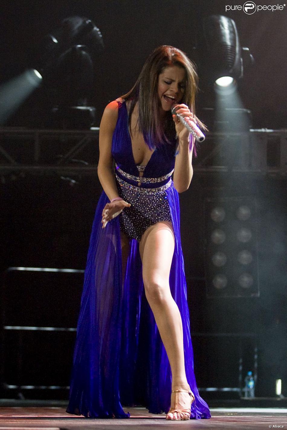 La petite Selena Gomez rivalise avec les plus grandes stars lorsqu'il ... джастин бибер