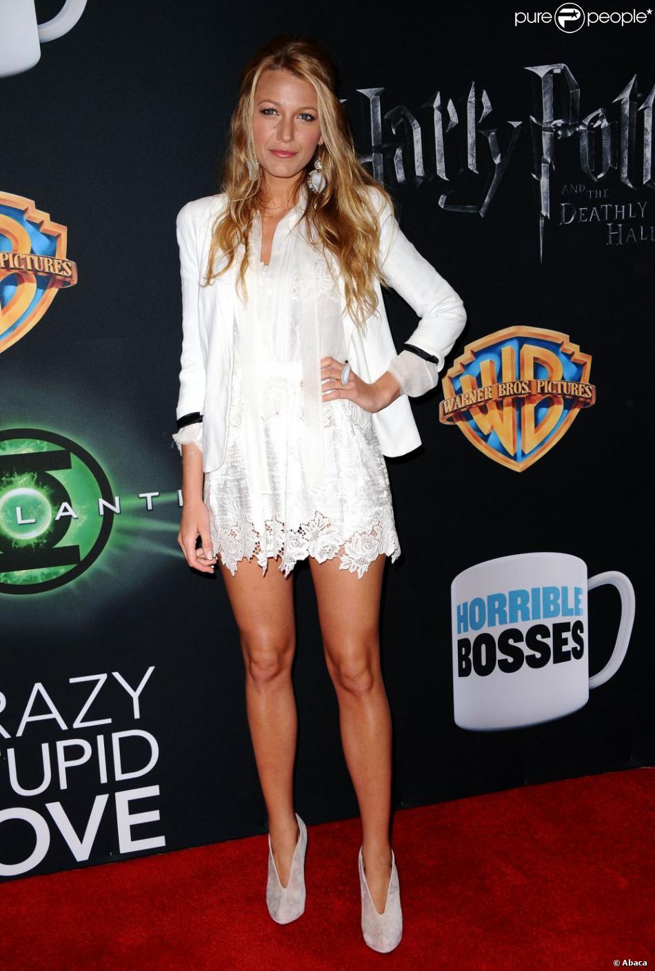 La comédienne Blake Lively et ses jambes interminables...