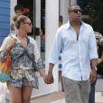 EXCLU. Beyoncé et son mari Jay-Z se promènent main dans la main dans les rues de Saint-Barthelemy le 5 avril 2012, alors qu'ils y passent leurs vacances avec leur petite Blue Ivy.
