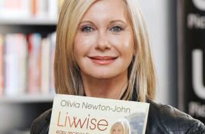 Olivia Newton-John, 63 ans : Sublime en cuir, elle donne des cours de cuisine