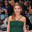 Elsa Pataky, enceinte, rayonnait lors de l'avant-première du film Avengers à Londres. Le 19 avril 2012.