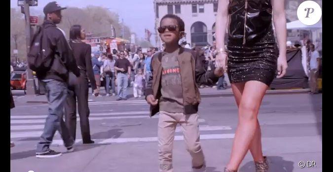 Le petit gar on qui imite kanye west dans le clip non for Dans way way