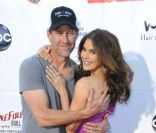 Teri Hatcher et James Denton le 21 avril 2012 lors de la Block Party du Band from TV donnée à Wisteria Lane dans les studios de Universal BackLot