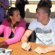 Laure Manaudou et Fred Bousquet (photo : à Carcassonne avec leur petite Manon en juin 2011) prenaient part en avril 2012 au Trophée Maria Lenk au Brésil, à Rio de Janeiro, à l'invitation d'un club de natation de São Paulo.