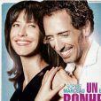La bande-annonce de la comédie romantique  Un bonheur n'arrive jamais seul , avec Sophie Marceau et Gad Elmaleh. En salles le 27 juin.