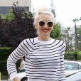 Gwen Stefani, stylée avec un sweater A.L.C., un slim J Brand avec une ceinture Burberry et des chaussures compensées à Santa Monica, le 30 avril 2012.