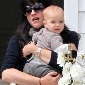 Selma Blair et son petit Arthur se câlinent dans les rues