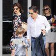 Linda Evangelista, son fils Augustin et son boyfriend Peter Morton, le dimanche 6 mai 2012.