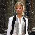 Superbe, Karolina Kurkova en plein shooting d'une pub à New York le 6 mai 2012