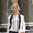 Karolina Kurkova en plein shooting d'une pub à New York le 6 mai 2012