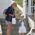 Jamie Lynn Spears et sa fille Maddie, à Los Angeles, le 5 mai 2012.