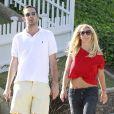 Britney Spears et un membre de sa famille, à Los Angeles, le 5 mai 2012.