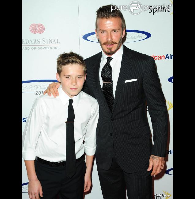 David Beckham et son fils Brooklyn le 20 mai 2012 lors du 27e anniversaire du Sports Spectacular donné en l'honneur du Cedars Sinai au Hyatt Regency de Los Angeles