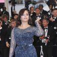 Aishwarya Rai à la montée des marches du Palais des Festivals, pour le film Cosmopolis, à Cannes le 25 mai 2012