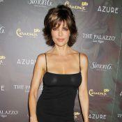 Lisa Rinna, 48 ans et robe transparente, n'a peur de rien devant Pamela Anderson