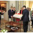 Le prince Joachim et le prince Amedeo ont apporté le gâteau, accompagnés par le violon de Lorenzo Gatto.   La princesse Astrid de Belgique a fêté ses 50 ans avec trois jours d'avance le 2 juin 2012 dans sa résidence Schonenberg, entourée de la famille royale (sauf le prince Philippe et la princesse Mathilde, ainsi que la reine Fabiola).