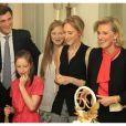 Le prince Amadeo, les princesses Laetitia Maria, Maria Luisa et Maria Laura avec leur mère la princesse Astrid.   La princesse Astrid de Belgique a fêté ses 50 ans avec trois jours d'avance le 2 juin 2012 dans sa résidence Schonenberg, entourée de la famille royale (sauf le prince Philippe et la princesse Mathilde, ainsi que la reine Fabiola).