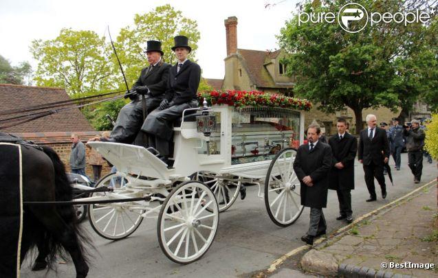 Obsèques de Robin Gibb à Thame le 7 juin 2012.