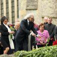 Barry Gibb et Dwina pleurent un frère et un époux aux obsèques de Robin Gibb à Thame le 7 juin 2012.