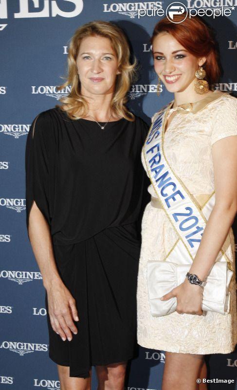 Steffi Graf et Delphine Wespiser lors de la soirée au profit de la fondation Children for Tomorrow, présidée par Steffi Graf à l'Hôtel national de Chaillot à Paris le samedi 9 juin 2012 à Paris