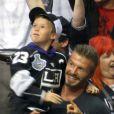 David Beckham et son fils Cruz pendant la finale de la Stanley Cup au Staples Center de Los Angeles, le 11 juin 2012.