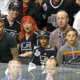 David Beckham et ses fils Cruz, Romeo et Brooklyn pendant la finale de la Stanley Cup au Staples Center de Los Angeles, le 11 juin 2012.