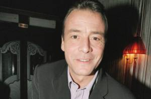 Pascal Brunner (Fa Si La Chanter) : Ruiné, il est atteint d'un cancer