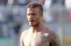 David Beckham : Regard ténébreux, torse nu et moustache pour la Fête des pères
