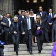 Françoise Boulain et son fils Gary lors des obsèques de leur mari et père Thierry Roland le 21 juin 2012 en l'église Sainte-Clotilde à Paris