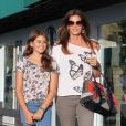 Cindy Crawford et sa fille, complices à Los Angeles, le 22 juin 2012.