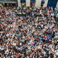 C'est l'émeute lors du showcase des Anges de la télé-réalité 4 au Ice Baar des Chalos-Elysées le 27 juin 2012 à Paris