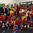Le prince Felipe a fêté le triomphe de l'Espagne dans le vestiaire de la Roja. L'héritier du trône s'est délecté du triomphe de l'Espagne, qui a conservé de superbe manière son titre à l'issue de l'Euro 2012, battant en finale l'Italie 4 à 0, le 2 juillet 2012 à Kiev (Ukraine).