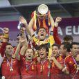 L'Espagne a conservé brillamment son titre de championne d'Europe en battant en finale de l'Euro 2012 l'Italie 4 à 0, le 2 juillet 2012 à Kiev (Ukraine).