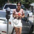 Rachel Bilson sort faire quelques courses avec sa soeur Hattie à Los Angeles, le lundi 9 juillet 2012.