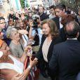 Valérie Trierweiler très souriante en Avignon, le 15 juillet 2012.